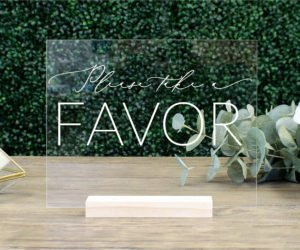 favors table sign ec