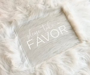 favors table sign ef