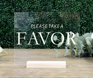 favors table wedding sign e